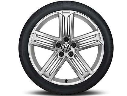 Sommerkomplettrad 235/35 R19 91Y/ZR XL, Pirelli Pzero Nero GT, Talladega, Sterling Silber